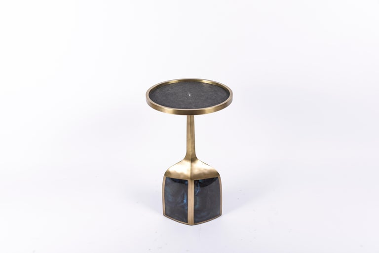 Set of 2 Pedestal Tables in Shagreen, Shell, Lemurian and Brass by R&Y Augousti For Sale 12
