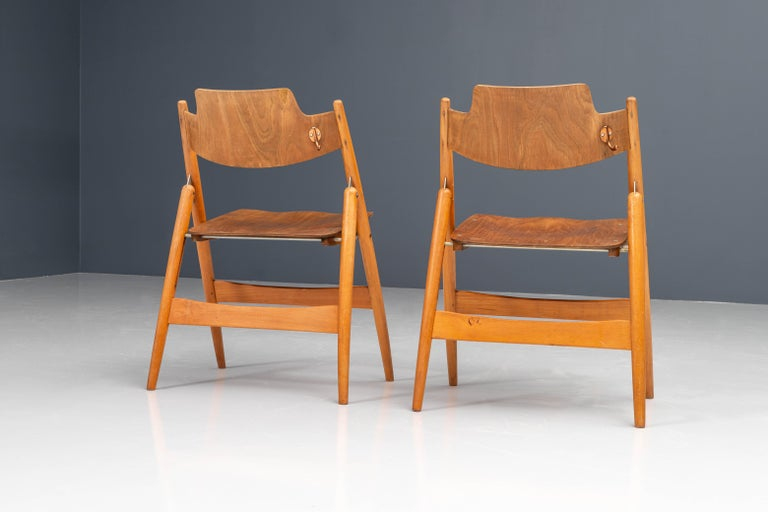 German Set of 20 Fully Restored Egon Eiermann Folding Chairs in Beech and Plywood, 1952 For Sale
