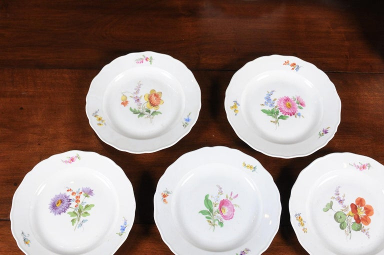 Set of 24 Pieces German Meissen Porcelain Dinner Service with Floral Decor In Good Condition For Sale In Atlanta, GA