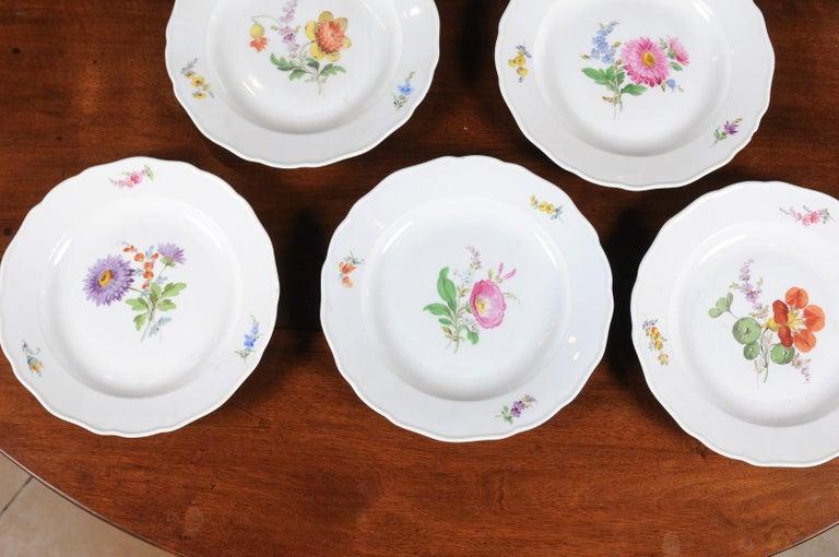 Set of 24 Pieces German Meissen Porcelain Dinner Service with Floral Decor For Sale 1