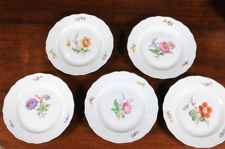 Set of 24 Pieces German Meissen Porcelain Dinner Service with Floral Decor For Sale 2
