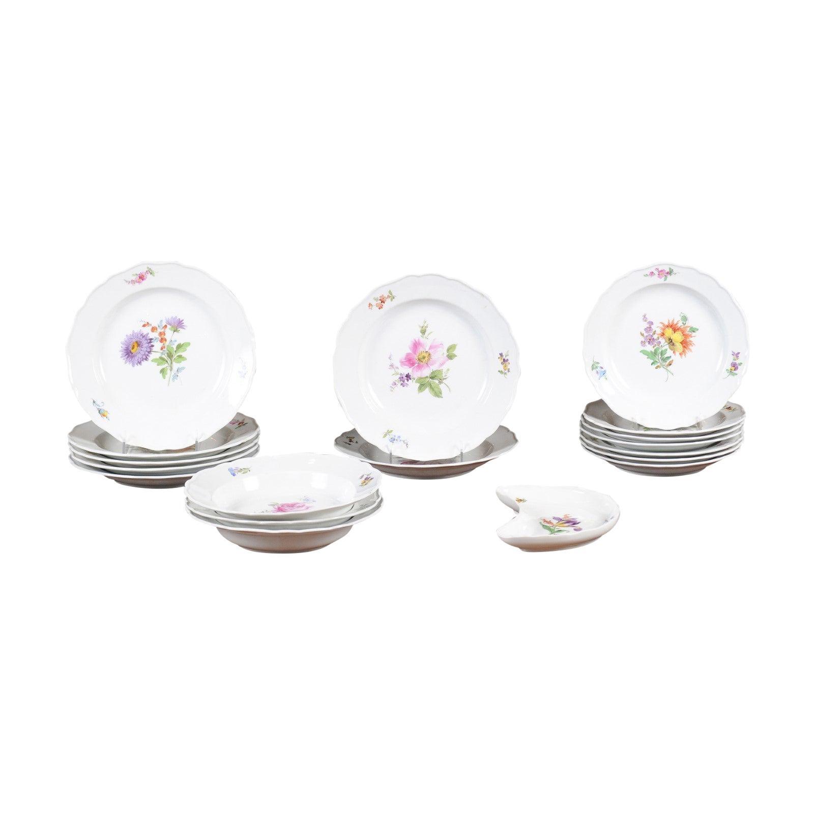 Set of 24 Pieces German Meissen Porcelain Dinner Service with Floral Decor