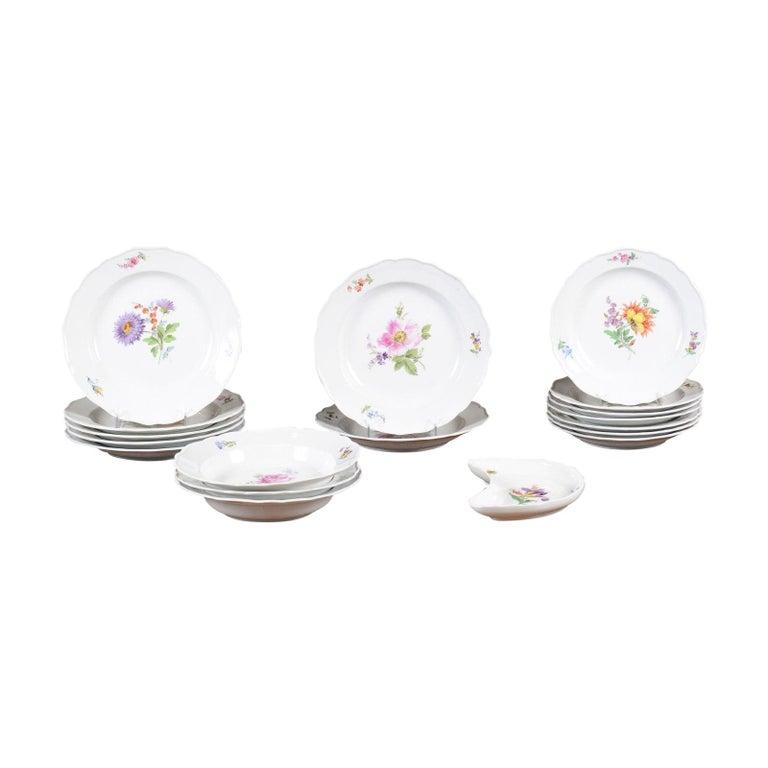 Set of 24 Pieces German Meissen Porcelain Dinner Service with Floral Decor For Sale