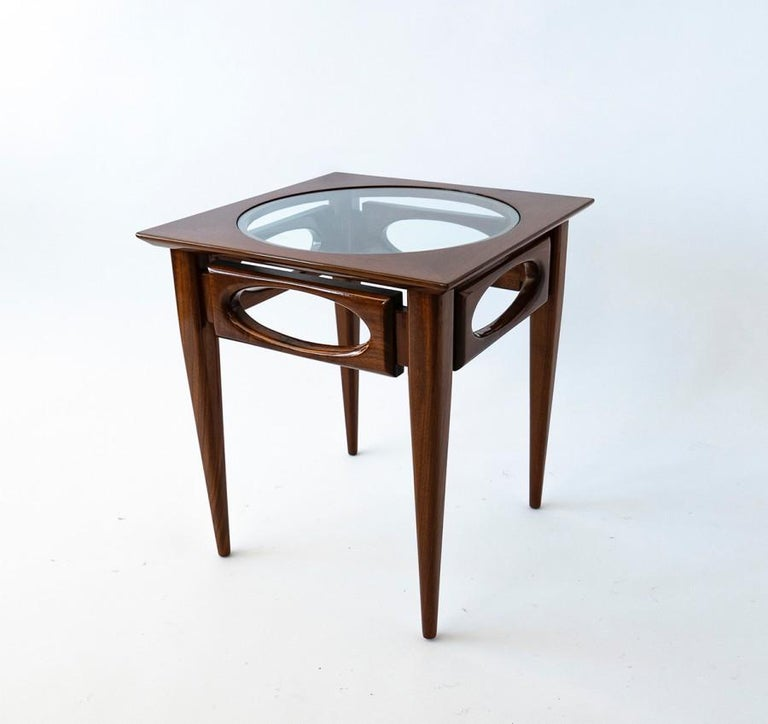 Set of 3 American Modern Walnut Nesting Tables, by American of Martinsville In Good Condition For Sale In Miami, FL
