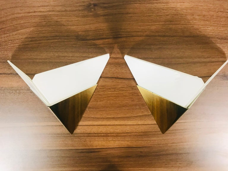 Mid-20th Century Set of 3 Extraordinary Triangle Ice Glass Sconces by Kalmar, Austria, 1960s For Sale