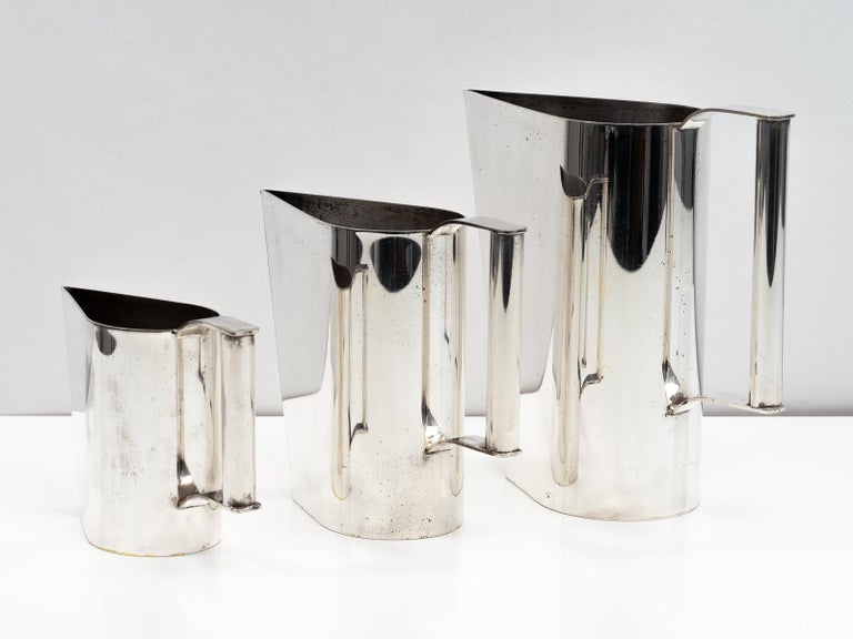 Italian Set of 3 Silver Plated Modernist Pitchers Attributed to Cini Boeri, circa 1975 For Sale