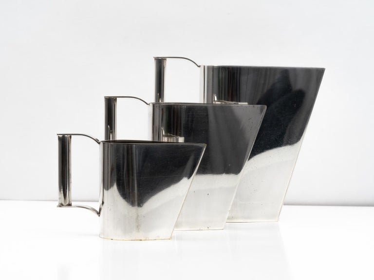 Set of 3 Silver Plated Modernist Pitchers Attributed to Cini Boeri, circa 1975 In Good Condition For Sale In Los Angeles, CA