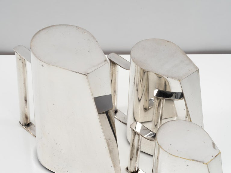 Set of 3 Silver Plated Modernist Pitchers Attributed to Cini Boeri, circa 1975 For Sale 3