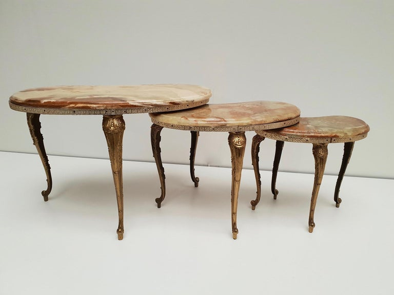 Set of 3 Italian Vintage Polished Brass and Marble Nesting Tables For Sale 2