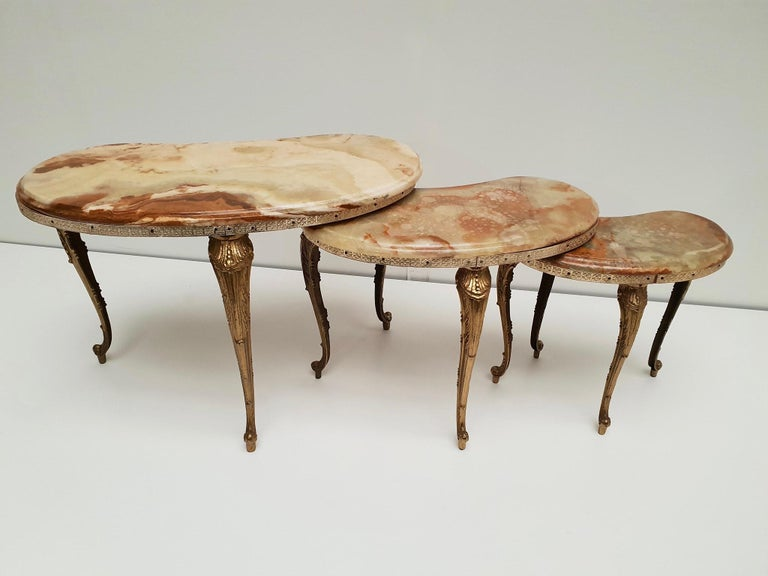 Set of 3 Italian Vintage Polished Brass and Marble Nesting Tables For Sale 3