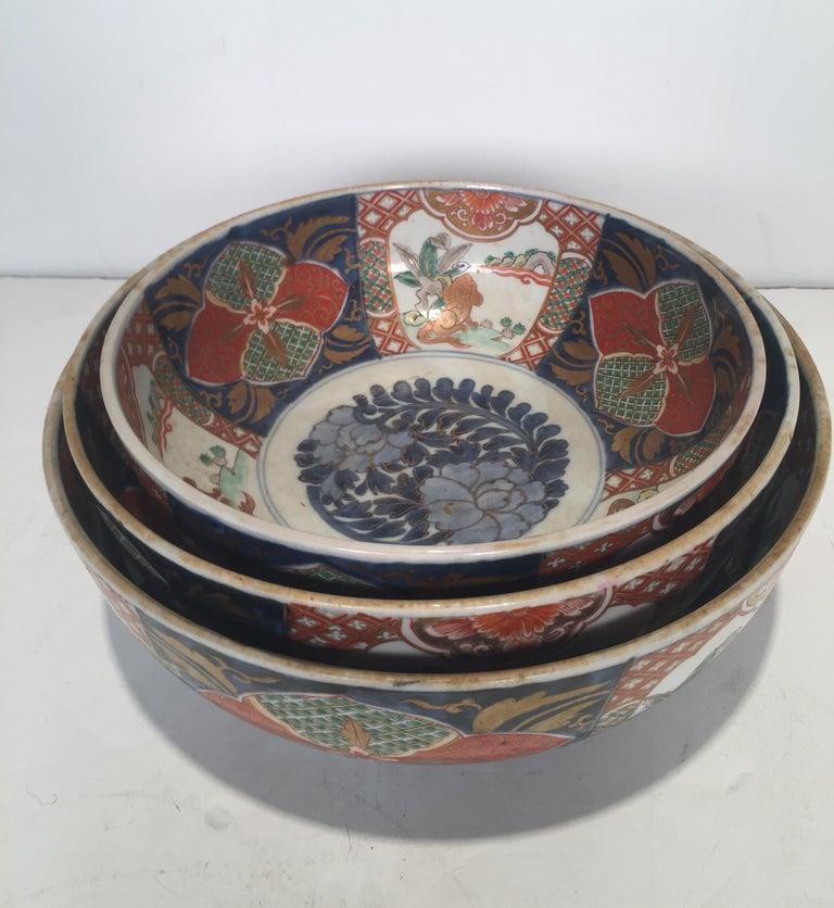 Set of 3 Japanese Imari Graduated Porcelain Bowls For Sale 5