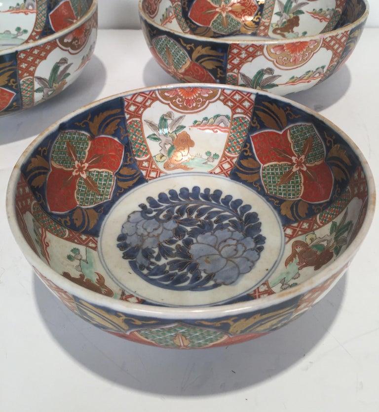 Set of 3 Japanese Imari Graduated Porcelain Bowls For Sale 3