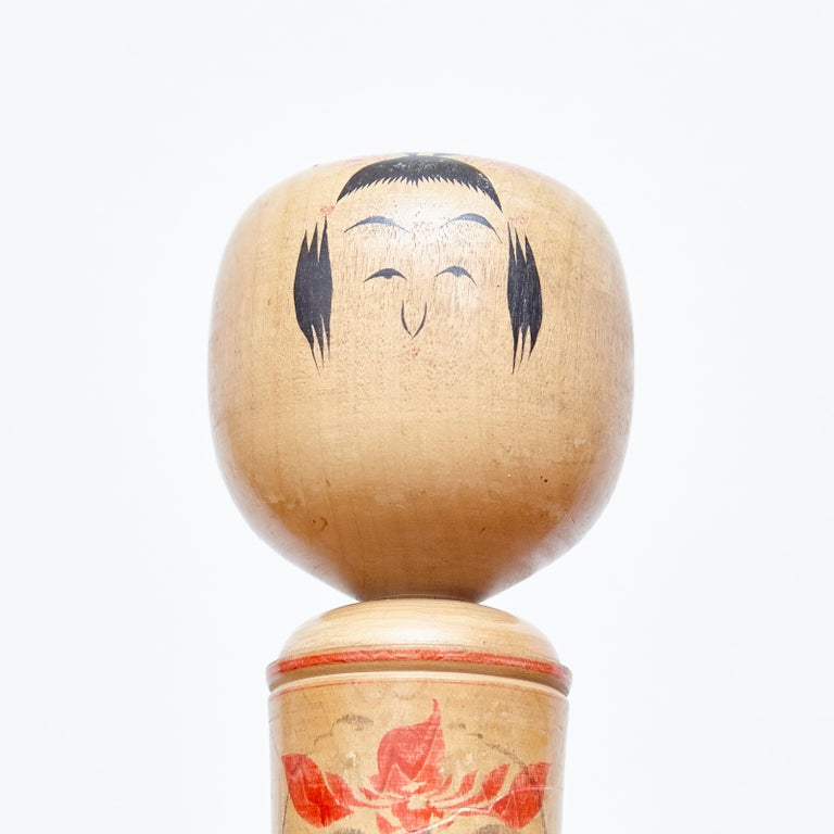 Set of 3 Kokeshi Japanese Wood Hand Painted Doll In Good Condition For Sale In Barcelona, Barcelona