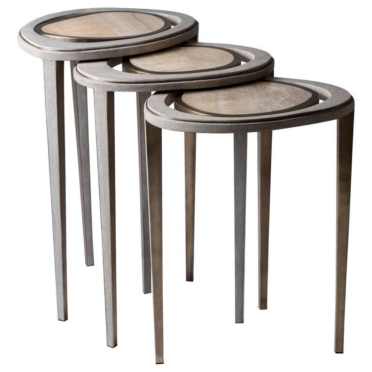 Art Deco Set of 3 Peacock II Nesting Side Tables in Shagreen & Brass by R&Y Augousti For Sale
