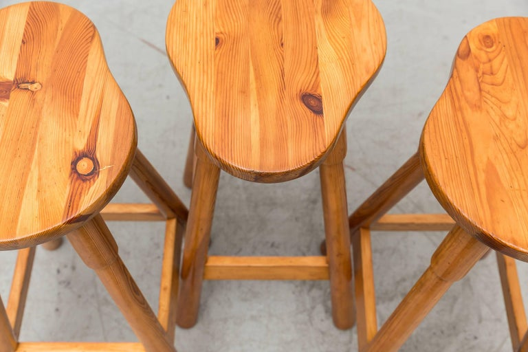 Set of Three Rainer Daumiller Pine Bar Stools In Good Condition For Sale In Los Angeles, CA