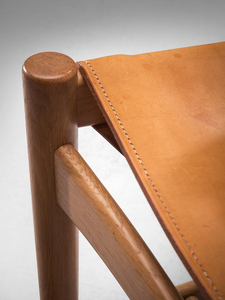 Set of '3237' Chairs in Oak and Cognac Leather by Børge Mogensen For Sale 4