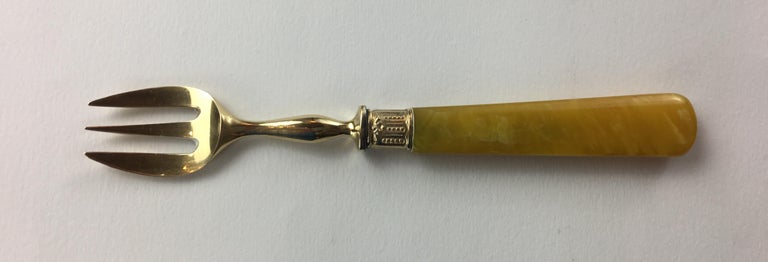 Late 19th Century Set of 36 Antique Mother-of-Pearl Handled Knives and Forks, Gold Ferrules For Sale
