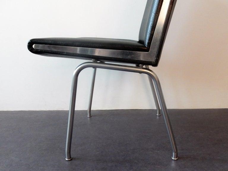 Danish Set of 4 AP 40 Airport Chairs by Hans Wegner for AP Stolen, Denmark, 1950s For Sale