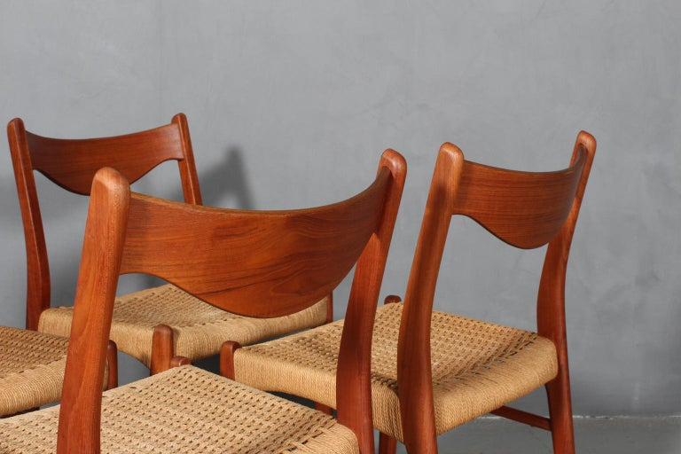 Scandinavian Modern Set of 4 Arne Wahl Dining Chairs For Sale