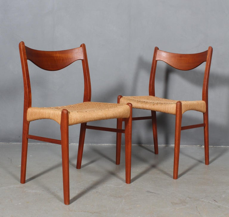 Danish Set of 4 Arne Wahl Dining Chairs For Sale