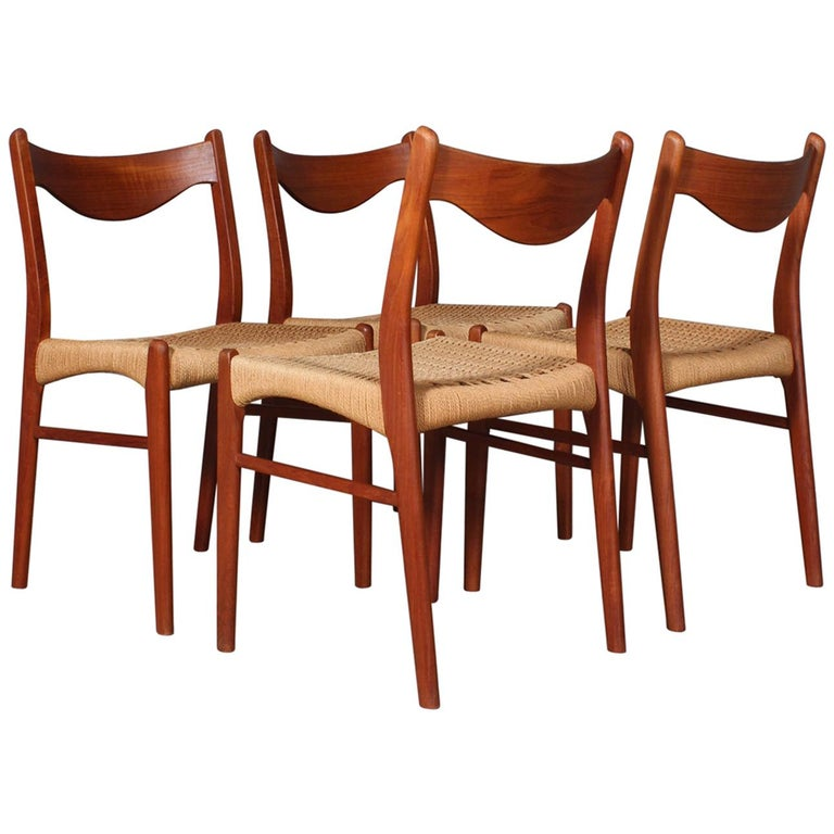 Set of 4 Arne Wahl Dining Chairs For Sale
