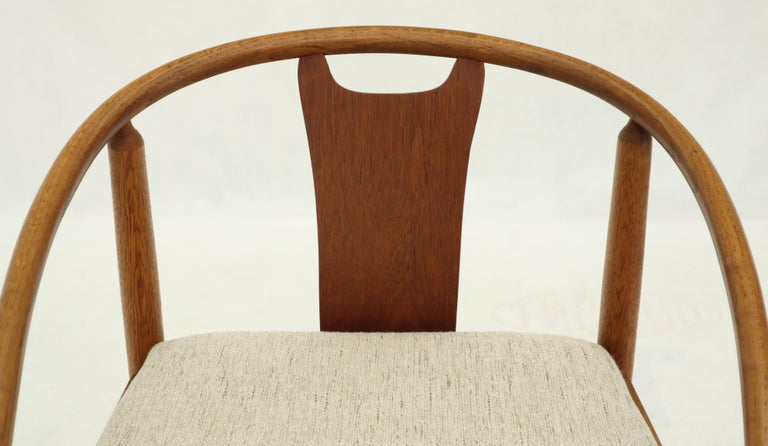 Set of 4 Barrel Back Bent Wood Dining Lounge Chairs New Upholstery In Good Condition For Sale In Blairstown, NJ