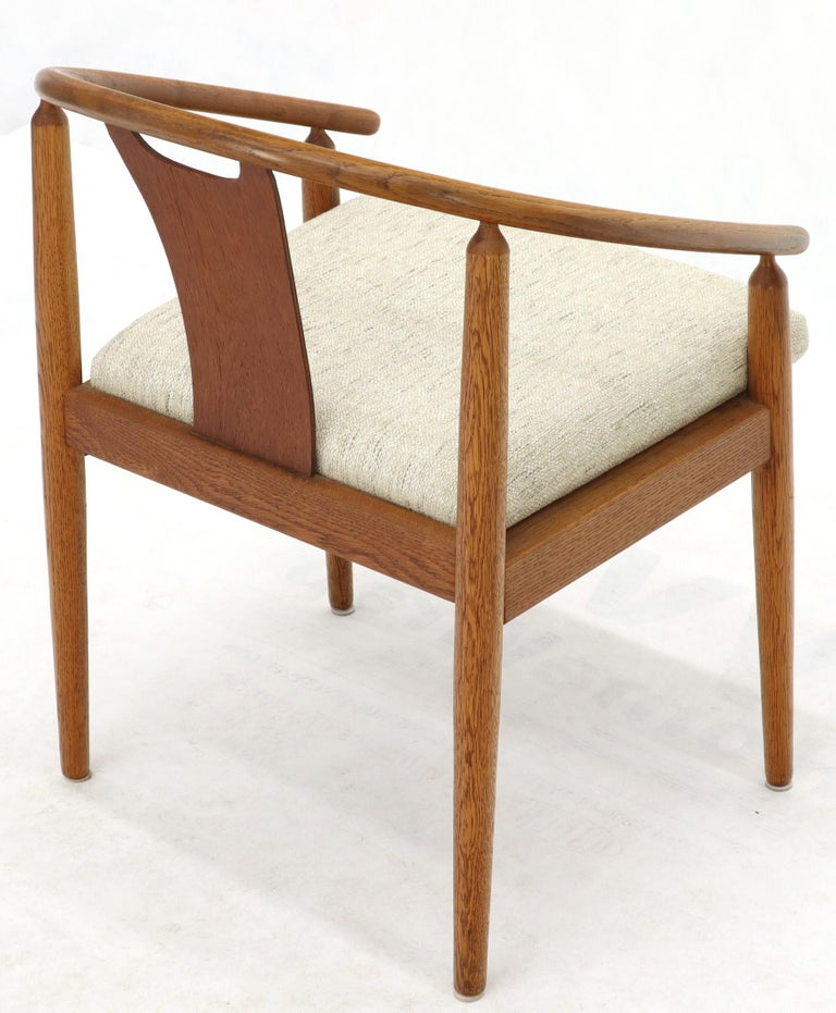 20th Century Set of 4 Barrel Back Bent Wood Dining Lounge Chairs New Upholstery For Sale
