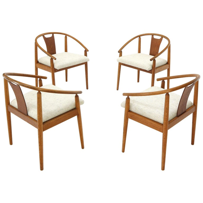 Set of 4 Barrel Back Bent Wood Dining Lounge Chairs New Upholstery For Sale