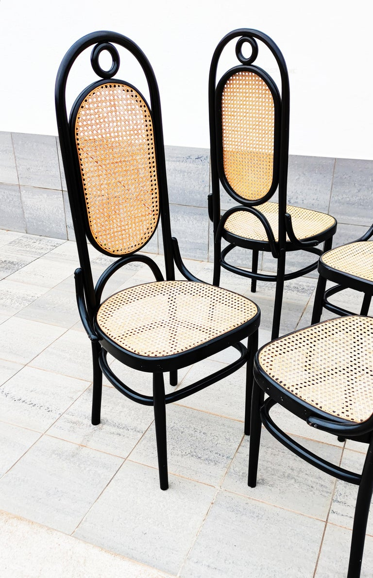 20th Century Set of 4 Black Lacquered Thonet N 17 High Back Dining Chairs For Sale