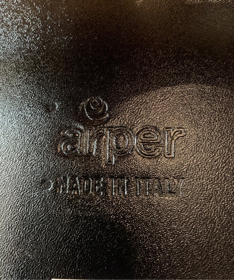 Late 20th Century Set of 4 Burgundy Leather Dining Chairs by Arper For Sale