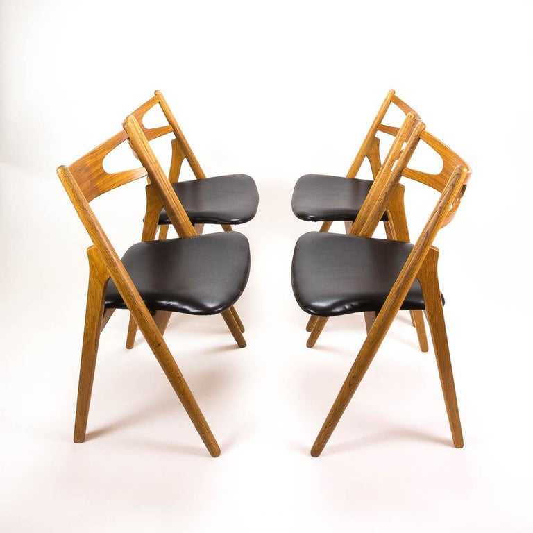 Set of 4 CH29 Sawbuck Dining Chairs by Hans Wegner for Carl Hansen & Søn For Sale 3