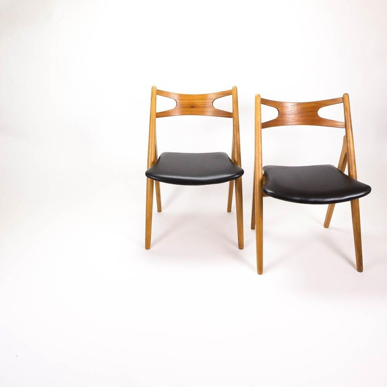 Mid-Century Modern Set of 4 CH29 Sawbuck Dining Chairs by Hans Wegner for Carl Hansen & Søn For Sale