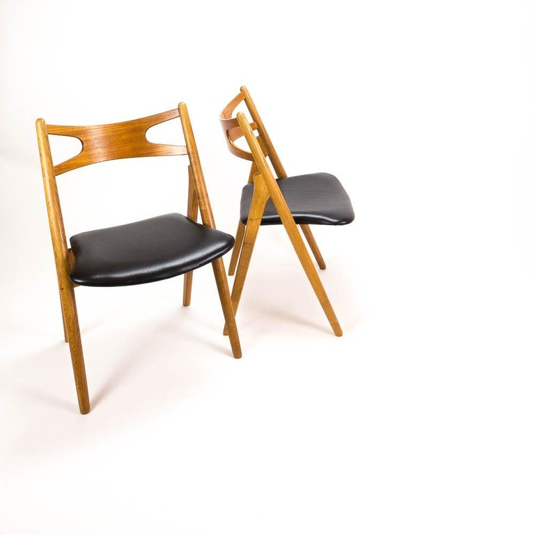 Mid-20th Century Set of 4 CH29 Sawbuck Dining Chairs by Hans Wegner for Carl Hansen & Søn For Sale