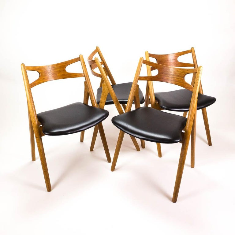Set of 4 CH29 Sawbuck Dining Chairs by Hans Wegner for Carl Hansen & Søn For Sale 1