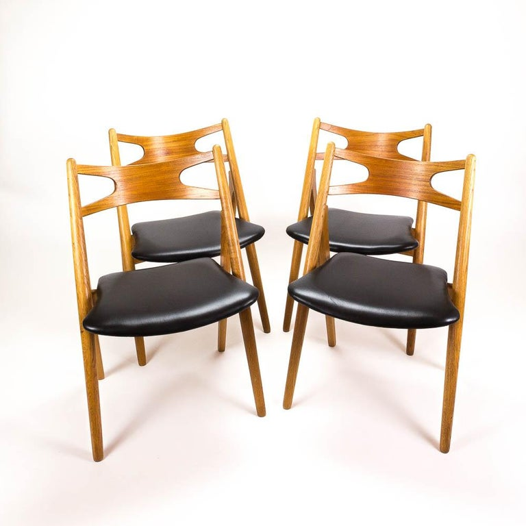 Set of 4 CH29 Sawbuck Dining Chairs by Hans Wegner for Carl Hansen & Søn For Sale 2
