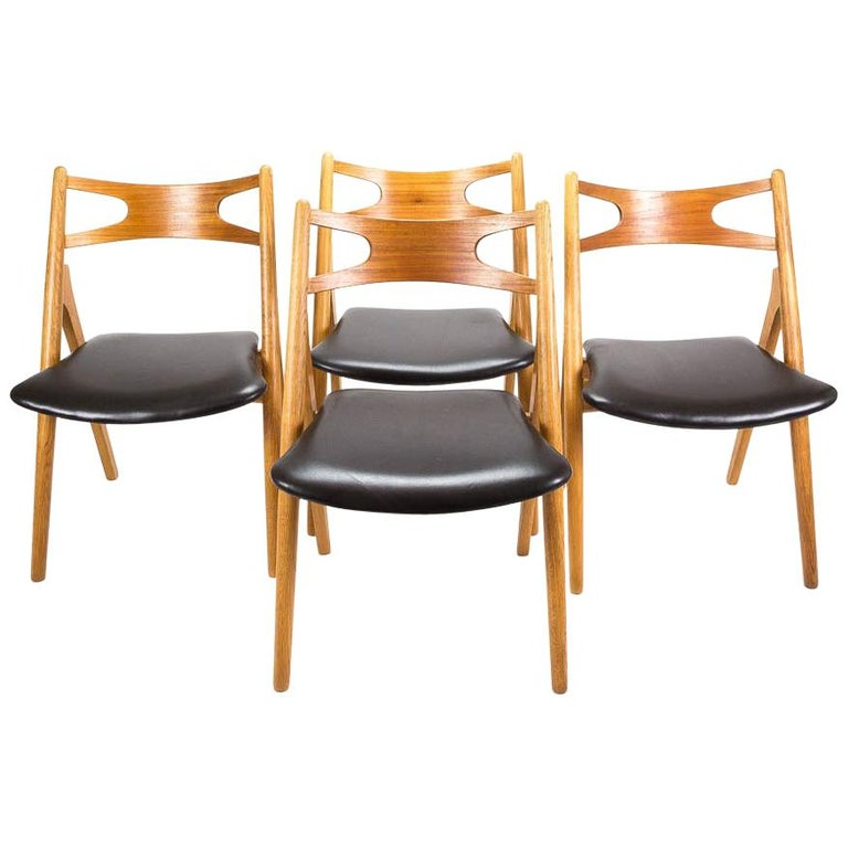 Set of 4 CH29 Sawbuck Dining Chairs by Hans Wegner for Carl Hansen & Søn For Sale