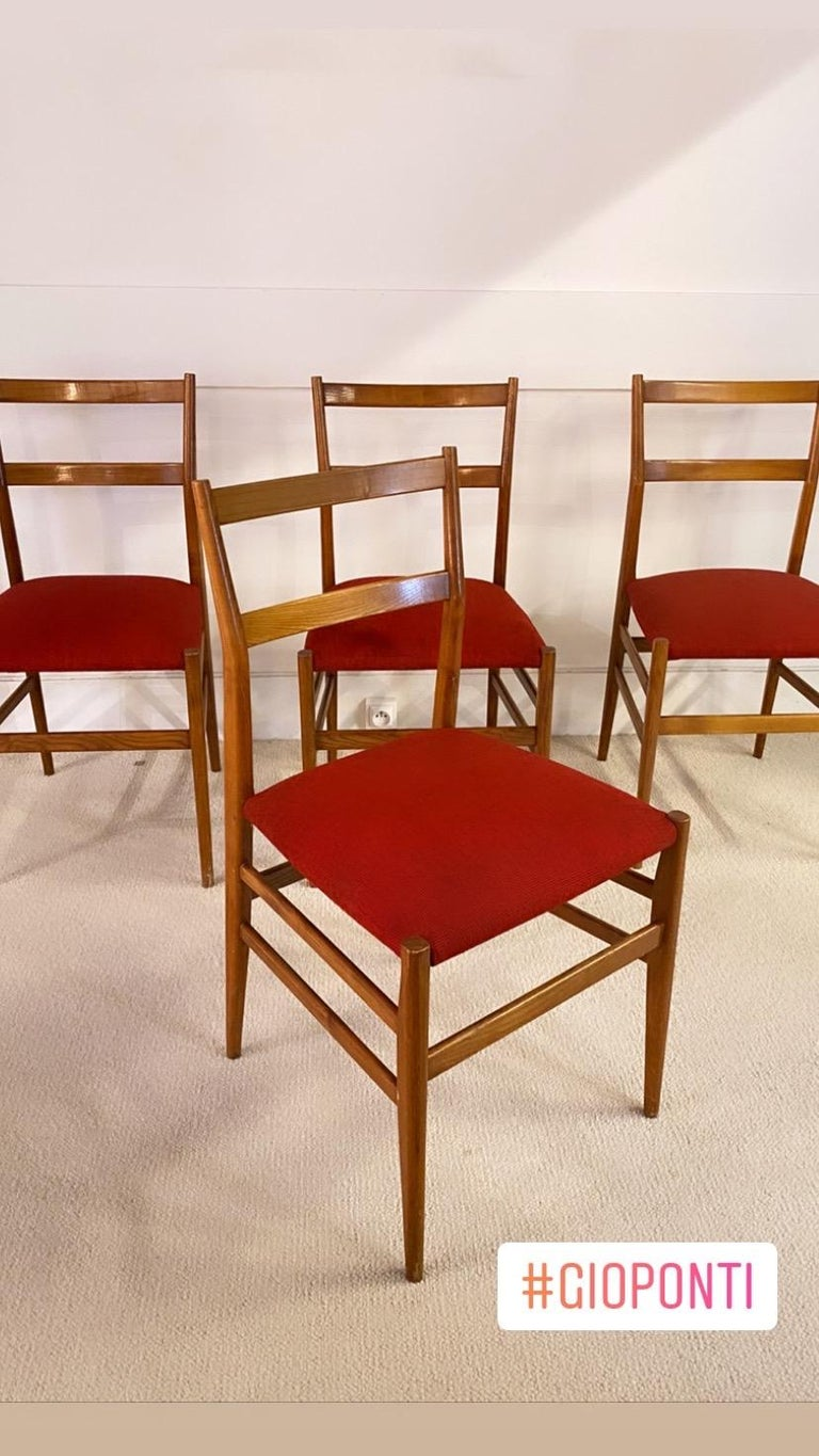 Mid-Century Modern Set of 4 Chairs by Gio Ponti, circa 1950 For Sale