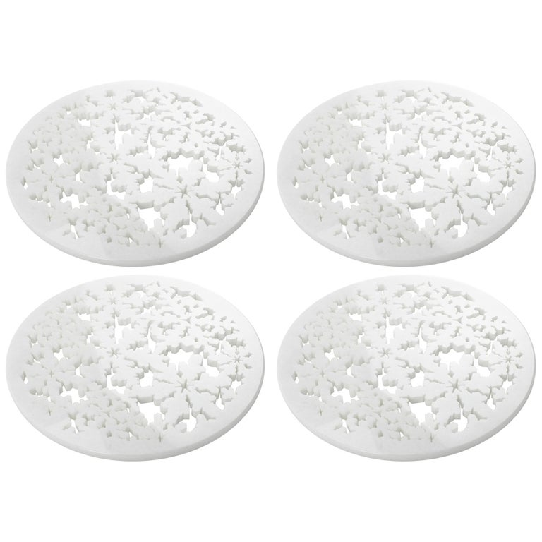 Set of 4 Charger Plate in Absolute Crystalline White Marble Christmas Decoration For Sale