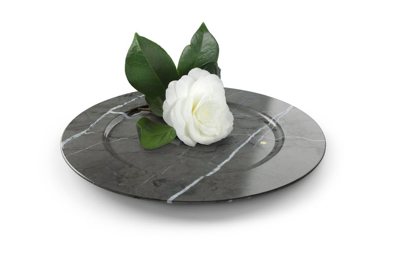 Italian Set of 4 Charger Plates in Imperial Grey Marble Design Pieruga Marble, Italy For Sale