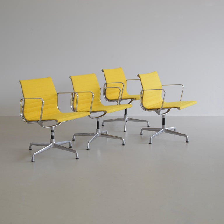German Set of 4 Charles & Ray Eames Vintage Aluminium Office Chairs 'EA108' For Sale