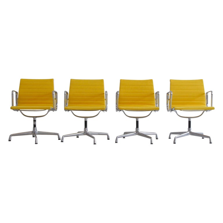 Set of 4 Charles & Ray Eames Vintage Aluminium Office Chairs 'EA108' For Sale