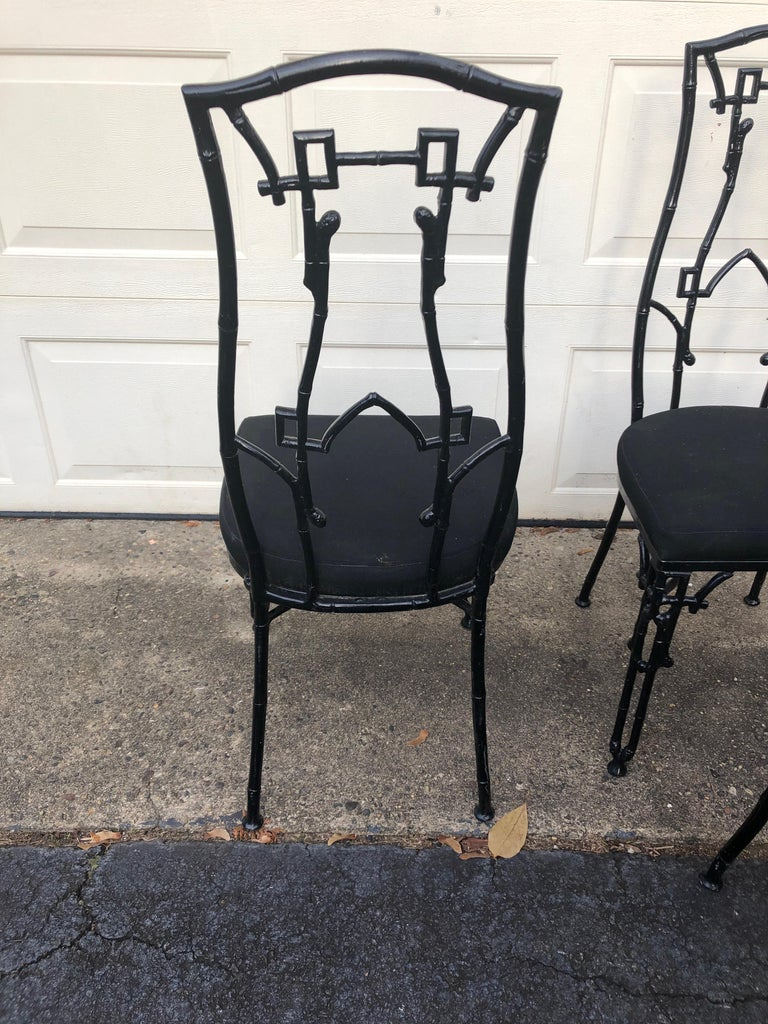 Set of 4 Chic Iron Chinoiserie Style Patio Side Chairs For Sale 5