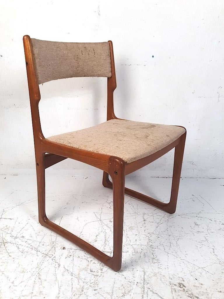 Mid-Century Modern Set of 4 Danish Modern Dining Chairs For Sale