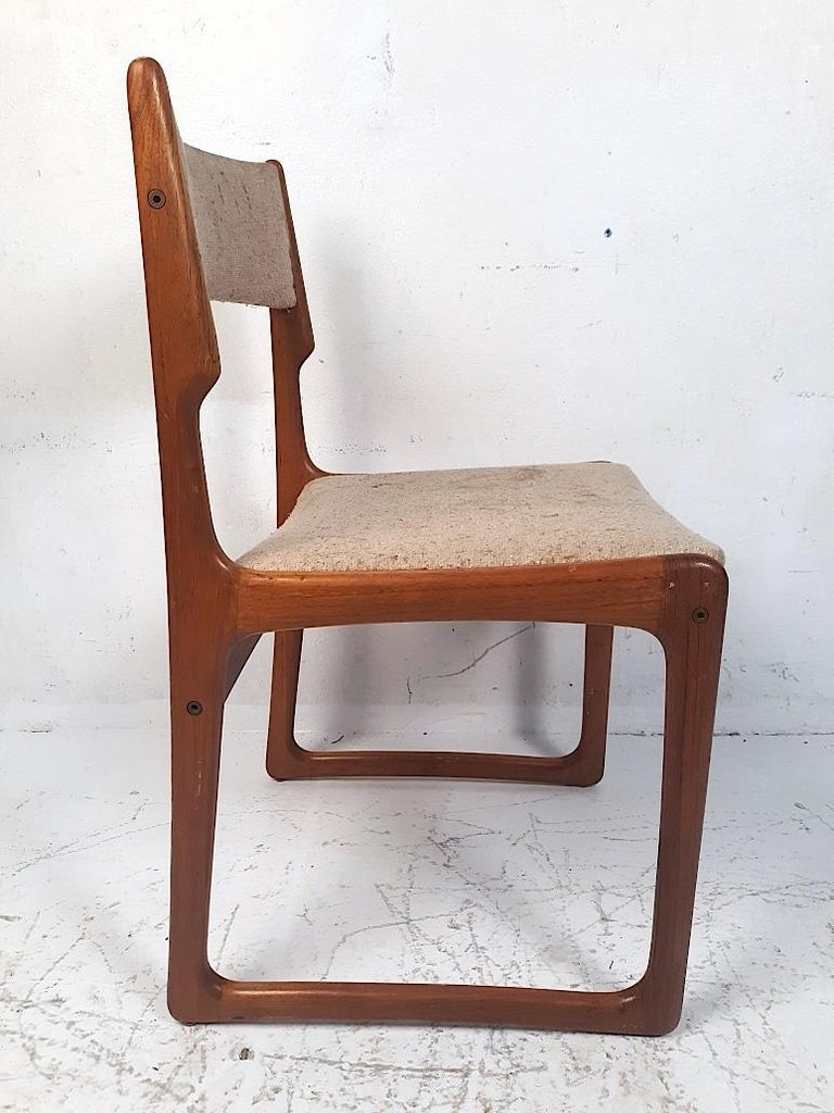 Set of 4 Danish Modern Dining Chairs In Fair Condition For Sale In Brooklyn, NY