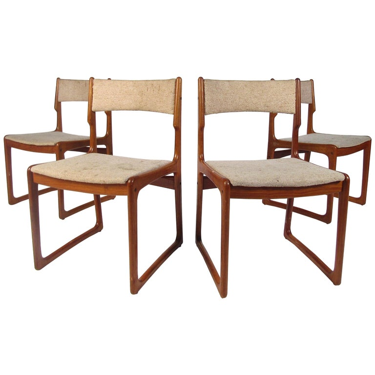 Set of 4 Danish Modern Dining Chairs For Sale