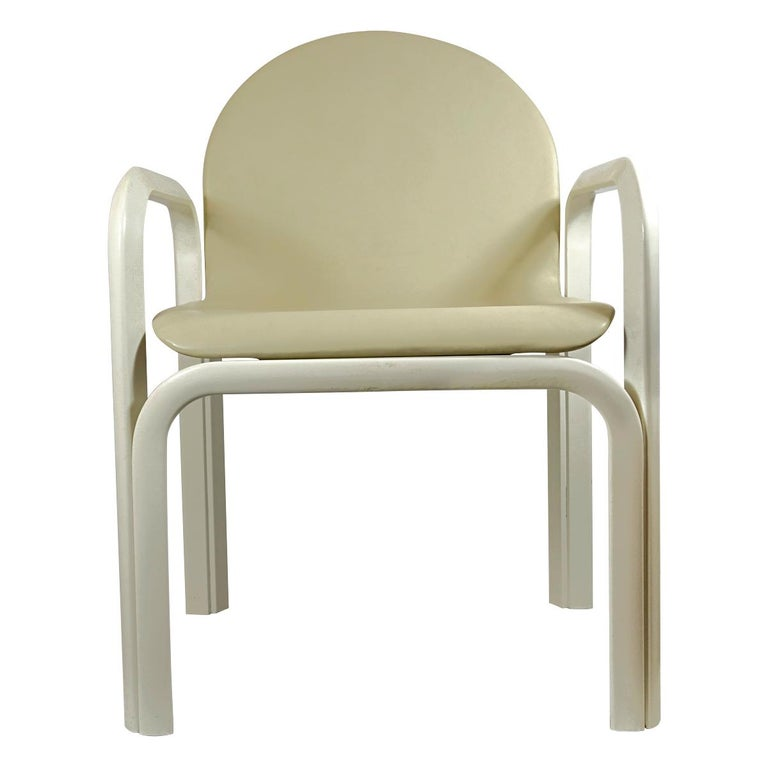 Set of 4 Dining Chairs Orsay Designed by Gae Aulenti for Knoll International For Sale 4