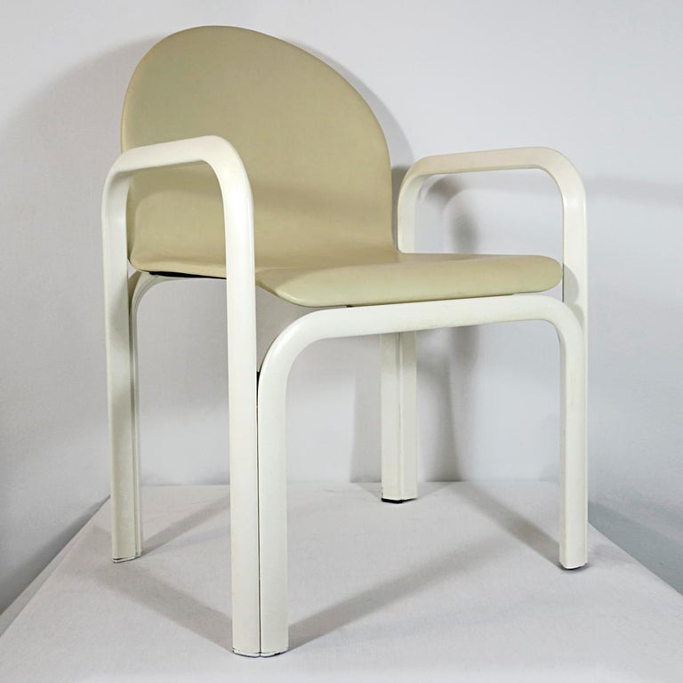 Set of 4 Dining Chairs Orsay Designed by Gae Aulenti for Knoll International For Sale 5