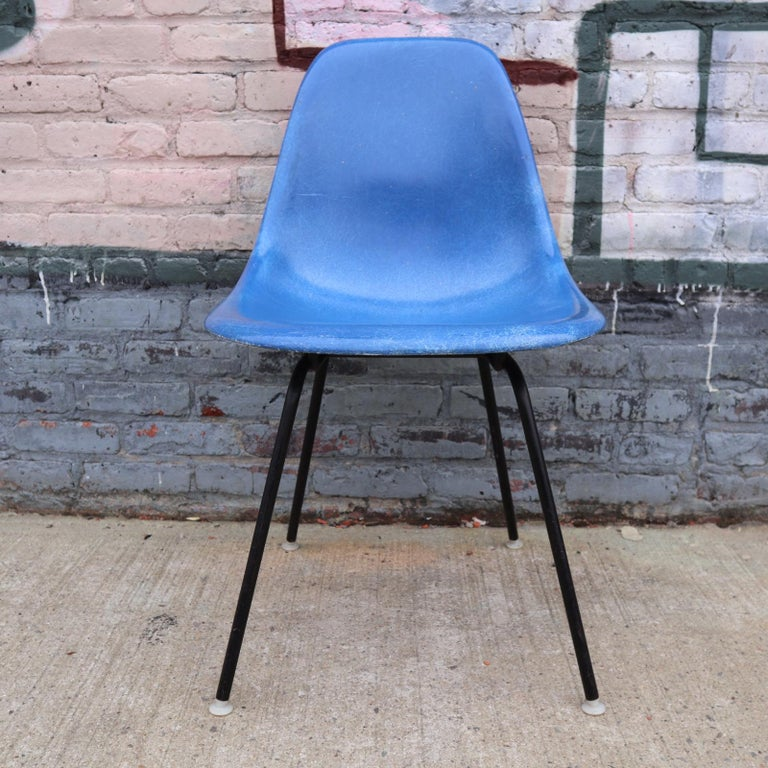 Fiberglass Set of 4 Herman Miller Eames Dining Chairs For Sale