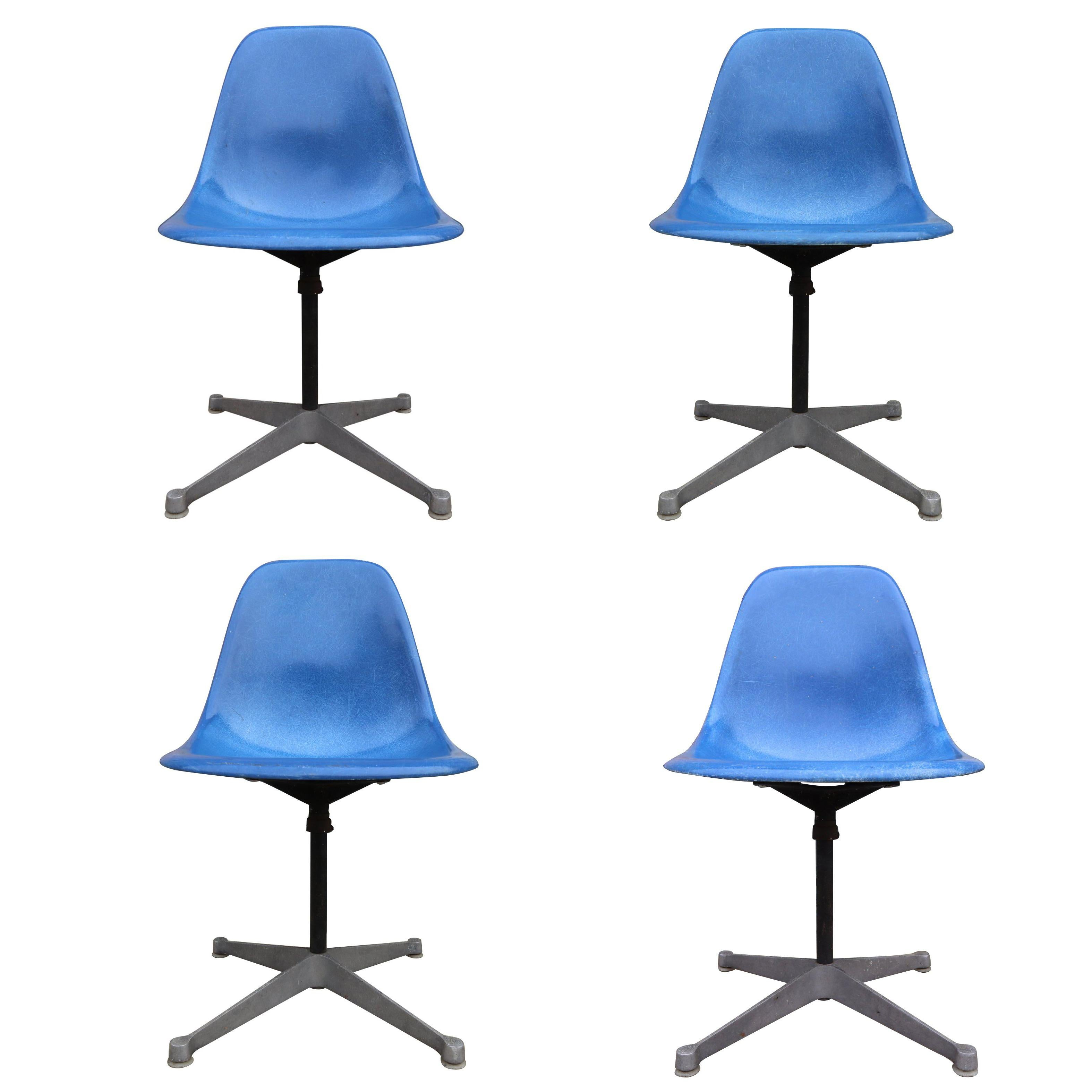 Set of 4 Herman Miller Eames Swivel Dining or Desk Chairs