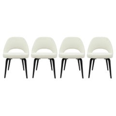 Set of 4 Knoll Eero Saarinen Executive Side Chairs in White Upholstery
